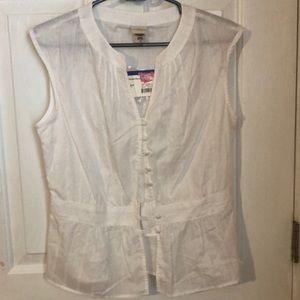 Tops - Sleeveless blouse